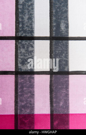 Blockieren Sie drucken, fertigen Muster mit Farbe und Streifen auf straffe Stoff, Bad Aussee, Steiermark, Österreich