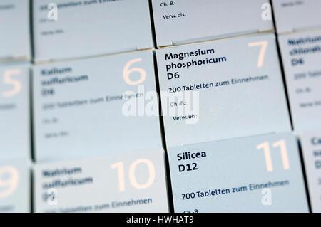 Schüssel-Hersteller Salze, alternative Medizin, anorganische, Medikamente, Medikament Materialien Biologie Chemie, - Stockfoto