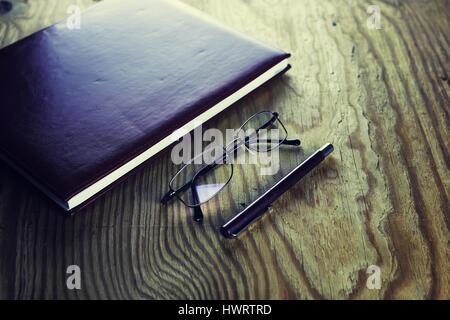 Business-Stift-Gläser-notebook - Stockfoto