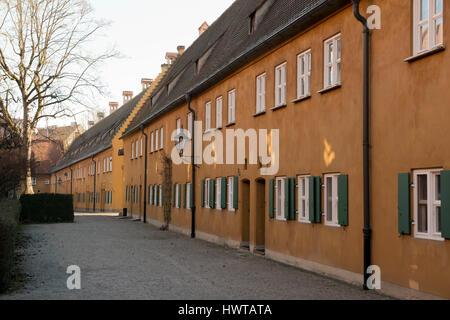 Fuggerai, weltweit älteste soziale Wohnanlage in Augsburg, Bayern - Stockfoto