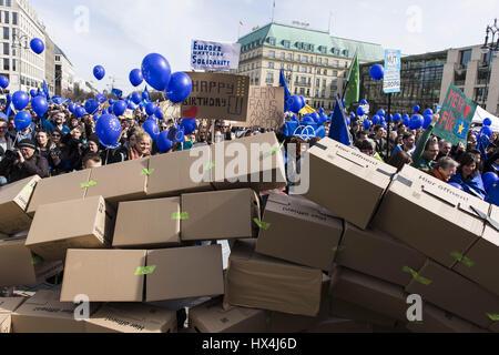 Berlin, Deutschland. 25. März 2017. Anlässlich des 60. Jahrestages der Unterzeichnung der Römischen Verträge Rallye - Stockfoto