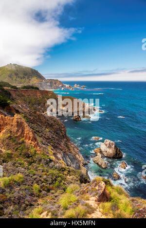 Schöne Aussicht auf die kalifornische Küste entlang der Bundesstraße 1. - Stockfoto