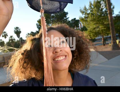 College Absolvent, BWL-Studium, University of Arizona, Tucson, Arizona, USA. - Stockfoto