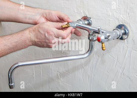 Awesome Klempner Befestigung Wasserhahn Mit Wasser Doppelgriff Kche  Wasserhahn Reparieren Tippen Sie Auf With Wasserhahn Kche Reparieren
