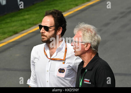 Albert Park, Melbourne, Australien. 26. März 2017. Die F1 Leiter Kommunikation Matteo Bonciani Übersee die Treiber - Stockfoto