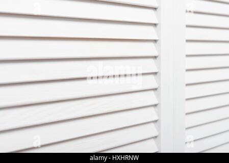 Weißen hölzernen Fensterläden closeup - Stockfoto