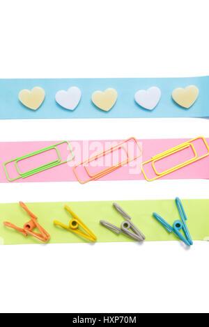 Farbige Streifen aus Papier mit clips - Stockfoto