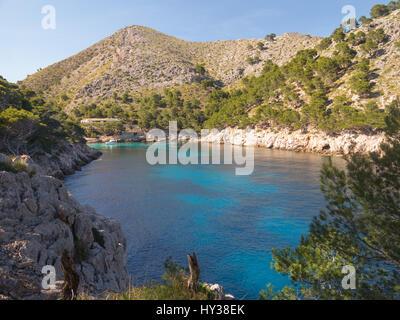 Cala Murta Bucht auf der Halbinsel Formentor im nördlichen Teil von Mallorca, Balearen, Spanien - Stockfoto