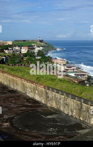 Vertikale Blick vom Castillo de San Cristobal Festung San Felipe del Morro, Puerto Rico - Stockfoto