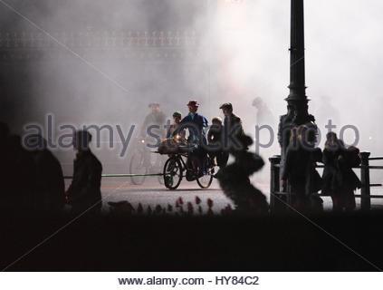 Datei Foto datiert 04.01.17 von Emily Blunt und Lin-Manuel Miranda Dreharbeiten eine Szene aus der Fortsetzung des - Stockfoto