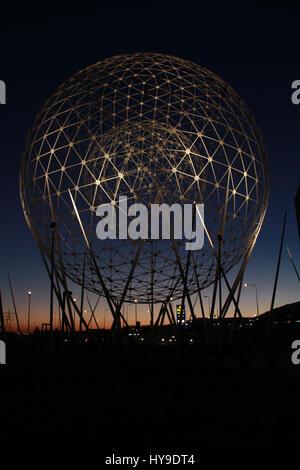 Schöne Aufstieg Skulptur in Belfast - Stockfoto