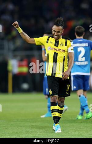 Dortmund. 4. April 2017. Pierre-Emerick Aubameyang Dortmund feiert nach der Bundesliga Fußballspiel zwischen Borussia - Stockfoto