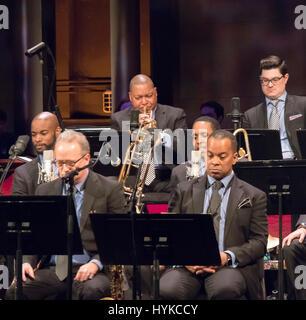 Jazz der 50er Jahre: überfüllt mit Stil-Konzert, Jazz beim Lincoln Center Orchestra, Wynton Marsalis, Orchesterleiter, - Stockfoto