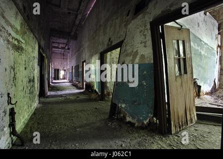 NEW YORK, USA: Unheimliche Bilder haben gezeigt, dass die verlassenen Ruinen einer Lepra-Kolonie auf einer Insel - Stockfoto