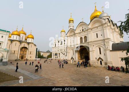 Himmelfahrts-Kathedrale, Iwan der große Glockenturm und Erzengel-Michael-Kathedrale im Kreml, UNESCO, Moskau, Russland - Stockfoto