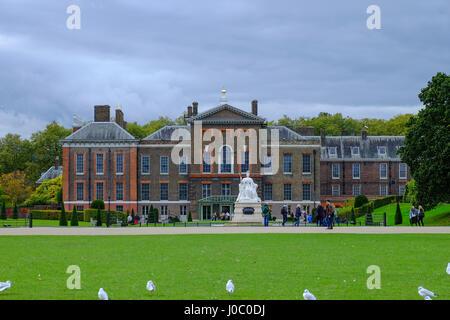 Kensington Palace, Kensington Gardens, London, England, Vereinigtes Königreich - Stockfoto