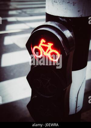 Amsterdam, Niederlande, Provinz Nord-Holland, eine Ampel für Fahrrad in Amsterdam. - Stockfoto