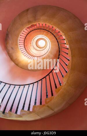 Spiralförmige Treppe, Beckford Turm, Bath, Somerset, UK - Stockfoto