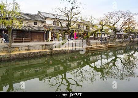 Okayama, Japan - 5. Januar 2016: Kurashiki ist eine historische ...