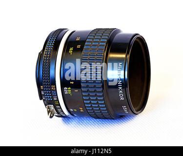 Nikon F2. 8 55mm Micro Nikkor-Objektiv - Stockfoto