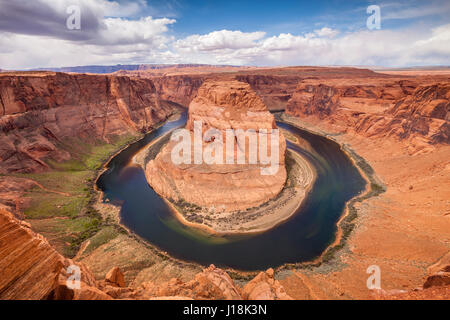 Der Horseshoe Bend, einem Mäander des Colorado River in den Glen Canyon Gebiet von Arizona. - Stockfoto