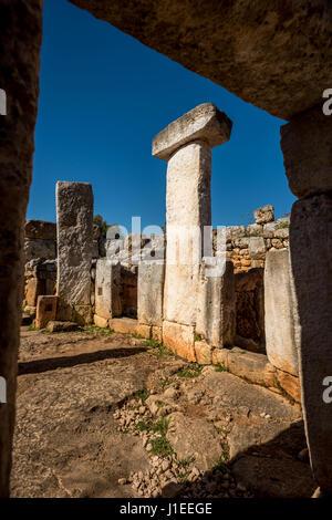 Die antike Stätte talayotischen Torre d ' en Galmés im Süden von Menorca - Stockfoto