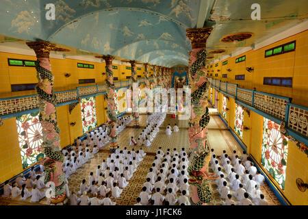 Cao Dai Tempel in Tay Ninh Provinz, Vietnam. Die Cao Dai Religon hat über 2 Millionen Anhänger, wurde 1926 in Vietnam - Stockfoto