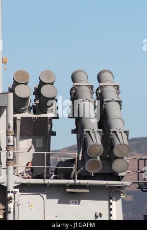 Die Startröhren des Systems der Harpoon-Anti-Schiffs-Rakete auf der belgischen Marine BNS Louise-Marie (F931), zu - Stockfoto