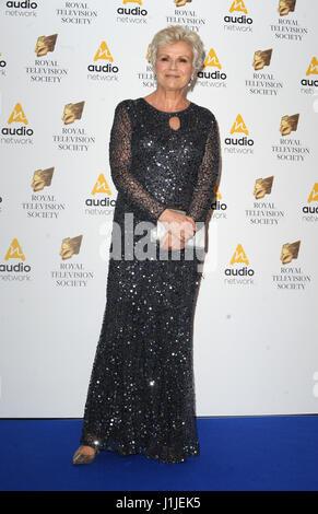 Den Royal Television Society Programm Awards im Grosvenor House Hotel, Park Lane - Ankünfte mit statt: Julie Walters - Stockfoto