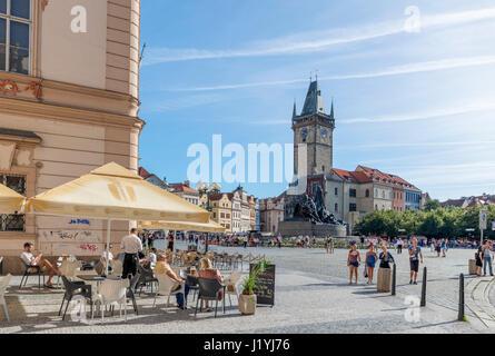 Cafe in der Altstädter Ring (Jizchak Náměstí), Staré Město, Prag, Tschechische Republik - Stockfoto