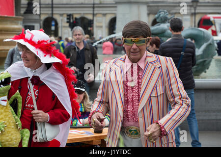 London, UK. 22. April 2017. Str. Georges Tag 2017 feiern auf dem Trafalgar Square in London, England, Vereinigtes - Stockfoto