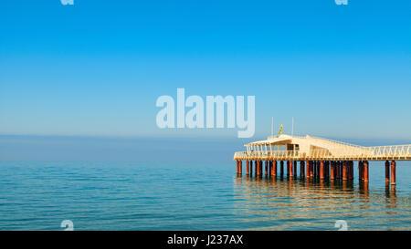 Lido di Camaiore Pier Blick - Stockfoto