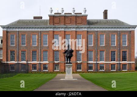 Statue von William III. Vor dem Kensington Palace, London, England, UK, Europa - Stockfoto