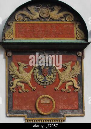 Wappen von Ferdinand I bei der Hofburg Vienna - Stockfoto