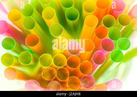 Makro-Ansicht der Multi farbige Trinkhalme - Stockfoto