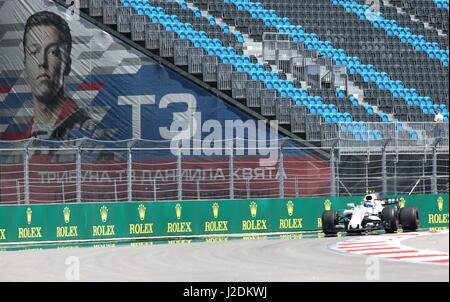 Sotschi, Russland. 28. April 2017. Ein Training vor der 2017 Formula One VTB russischen Grand Prix auf der Rennstrecke - Stockfoto