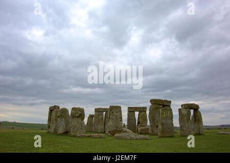 Großbritannien, England, Wiltshire. Stonehenge, ein UNESCO-Weltkulturerbe. - Stockfoto