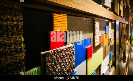 Bunten Teppich an der Wand für Hintergrund - Stockfoto