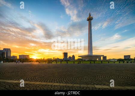 Sonnenuntergang Moment im National Monument in Zentral-Jakarta - Stockfoto