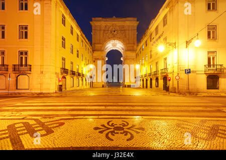 Commerce Square bei Nacht in Lissabon, Portugal - Stockfoto