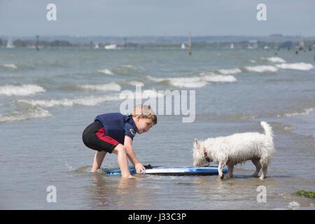 Unberührte sandigen Strand von West Wittering auf der Männlichkeit-Halbinsel in der Chichester Bezirk West Sussex, - Stockfoto