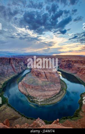 Der Horseshoe Bend gesehen vom Aussichtspunkt, Arizona, Vereinigte Staaten - Stockfoto