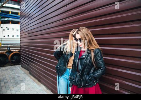 Mädchen weibliche Teenager-Alter 15 20 junge blonde fair