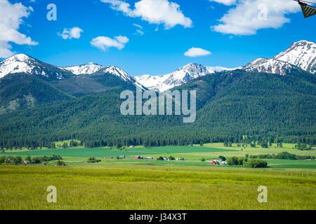 Ranch Land in der Nähe der Wallowa Mountains in Oregon - Stockfoto
