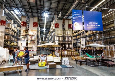 Florida, FL, Süd, Miami, Ikea, Geschäft, Einzelhändler, Möbel, Wohnaccessoires, Shopping Shopper Shopper Shop Geschäfte - Stockfoto