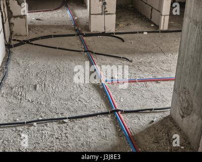 Elektrische Verkabelung für Fußbodenheizung elektrische in einem ...