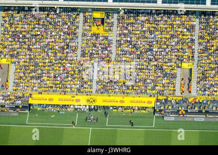 Osten mit Trainer Bank stehen, Blick vom Flugzeug zum BVB Stadion, BVB gegen die TSG Hoffenheim, Signal-Iduna-Park, - Stockfoto