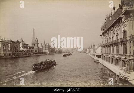 Perspektive Sur la Seine, Vue Prise du Pont des Invalides - Stockfoto