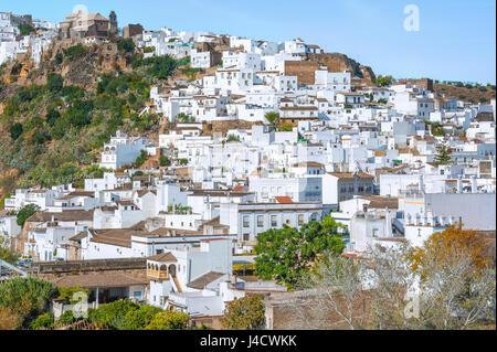 Stadt Arcos De La Frontera am Fluss Guadalete, weißen Dörfer Andalusiens, Pueblos Blancos, Provinz Cádiz, Spanien - Stockfoto