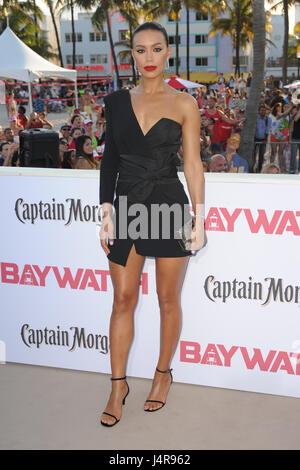 Miami Beach, FL, USA. 13. Mai 2017. Stephanie Holden besucht die Baywatch Film Premiere im Lummus Park am 13. Mai - Stockfoto